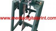Mesin ini difungsikan untuk membuat lubang pada pegangan tas kertas sehingga memudahkan produsen tas untuk memberi pegangan tali pada bagian atas tas. Mesin pelubang tas kertas ini dilengkapi dengan pengatur...