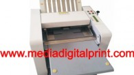 Mesin Pelipat Kertas dengan hasil lipatan yang presisi cocok untuk melipat brosur, undangan lembaran tanpa mengerated terlebih dahulu kertasnya, hanya dengan menempatkan kertas di posisi atas, lalu mengatur ukuran lipatan...